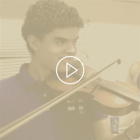 Imagem do vídeo Entre Jobs - O Violinista